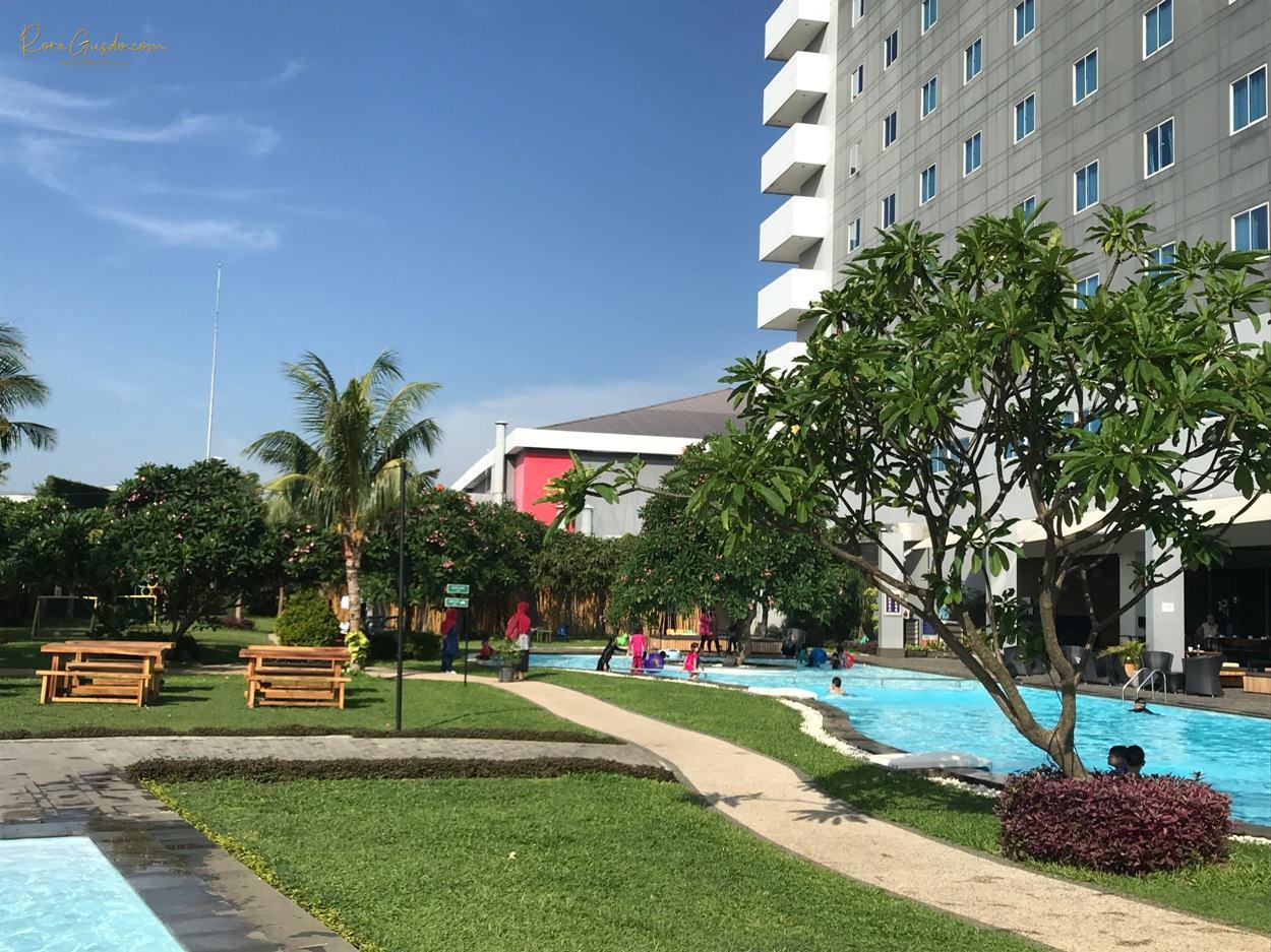 Review Hotel Aston Cirebon