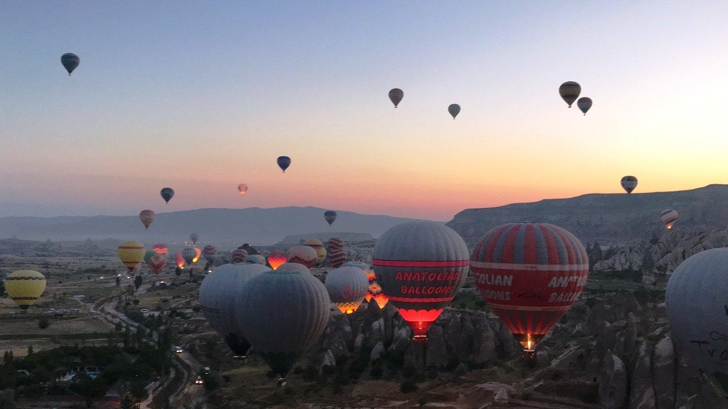 Pagi Seru di Balon Udara Turki RoraGusdo
