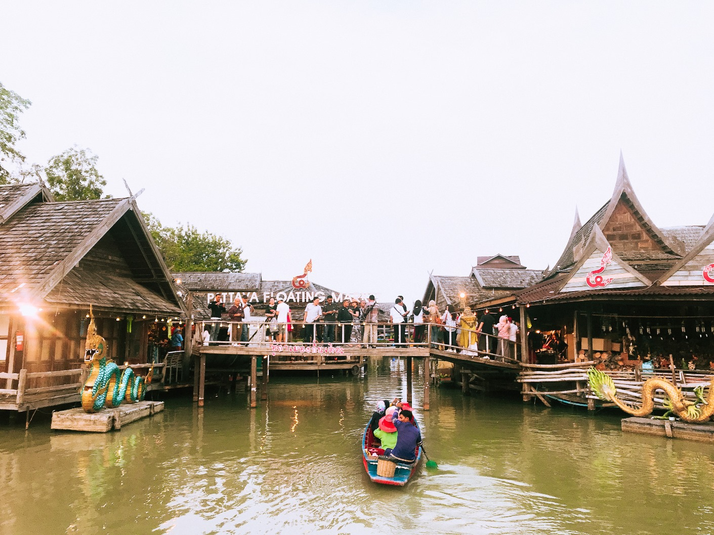 Pattaya Floating Market di Thailand