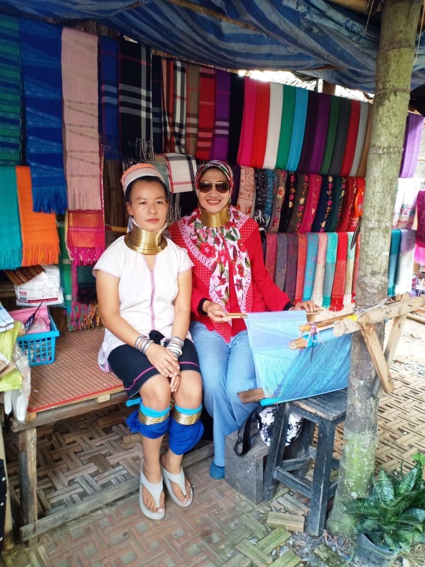 Suku Karen Desa Leher Panjang Thailand