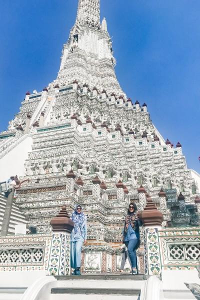 Wat Arun: Kuil Megah yang Puncaknya Susah Dilihat